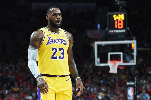 Los+Angeles+Lakers+v+Portland+Trail+Blazers+j2LB9LSX2Sdl