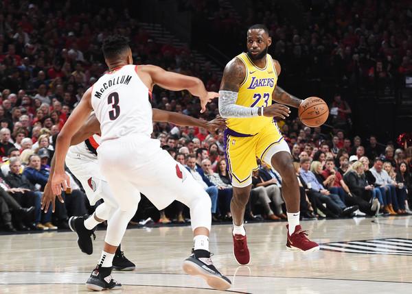 Los+Angeles+Lakers+v+Portland+Trail+Blazers+krYuVmvLLVol