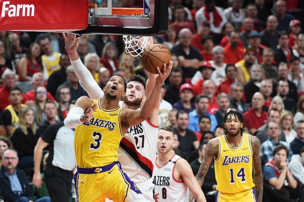 Los+Angeles+Lakers+v+Portland+Trail+Blazers+rZq3-Imx7rGl
