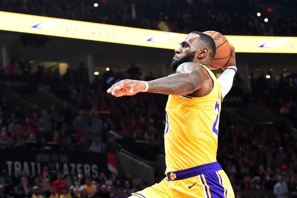 Los+Angeles+Lakers+v+Portland+Trail+Blazers+uFwY40OBPEHl