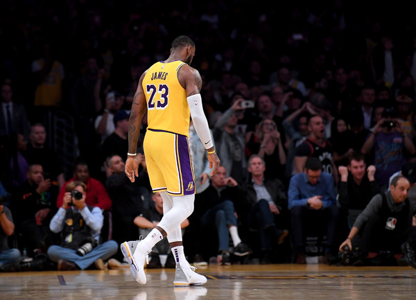 San+Antonio+Spurs+v+Los+Angeles+Lakers+c8sTkPBoyDJl