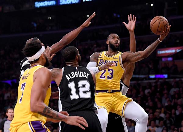 San+Antonio+Spurs+v+Los+Angeles+Lakers+SYwB_rPy9p2l